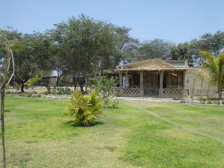 Casa Kontiki del excelentísmo Dr. Thor Heyerdahl, explorador y navegante noruego amante del Perú.