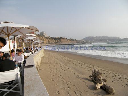 Playa Barranquito - Restaurant Punto Blanco