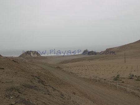 Ingreso a playa la Bomba - San Antonio Lima Peru