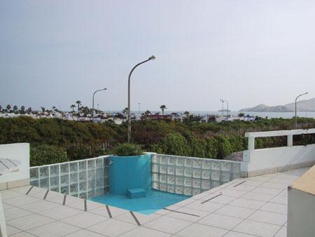 Vista Panorámica de Playa Mar Azul desde casa de playa